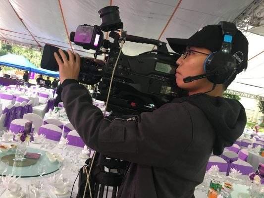 Quay phim chụp ảnh sự kiện tại Hạ LOng